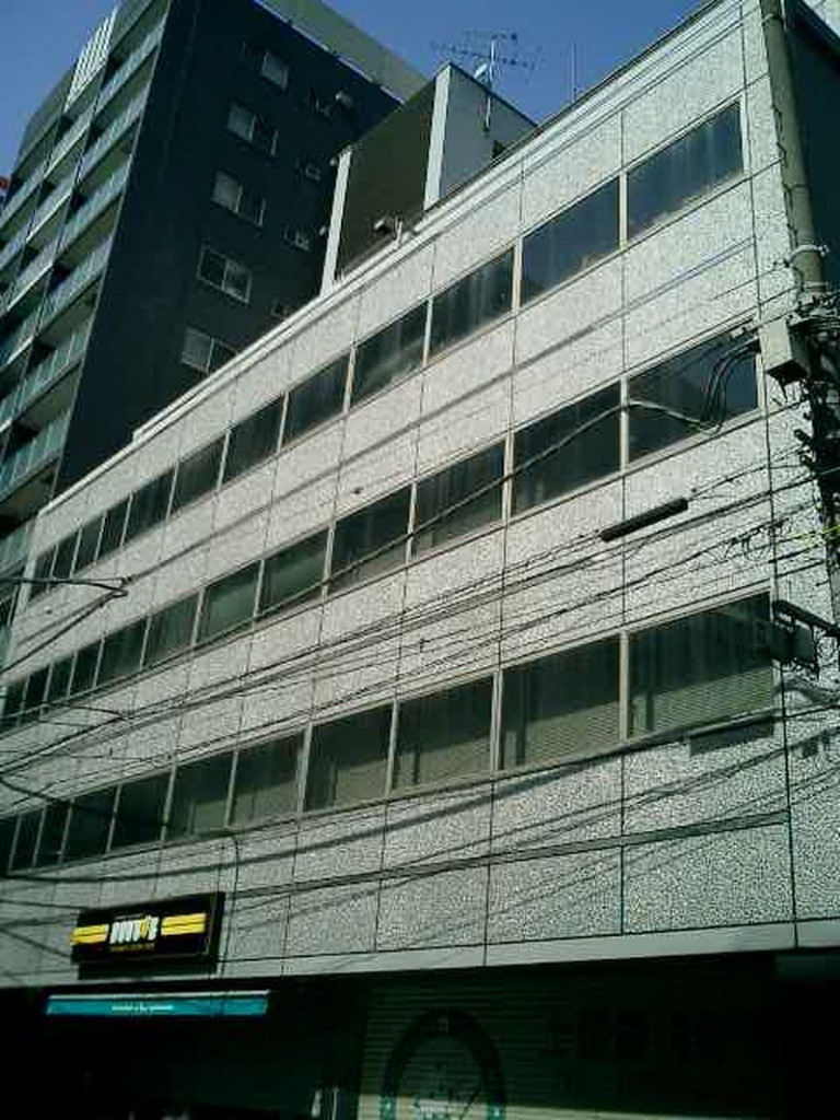 共同ビル(新本町)、東京都中央区日本橋本町2-3-15、三越前駅 徒歩3分新日本橋駅 徒歩3分