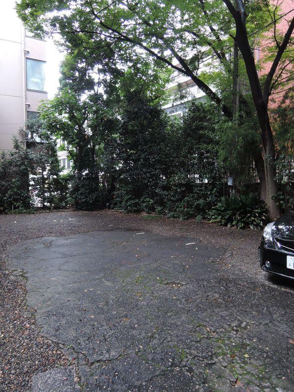 源宝院駐車場 東京都港区芝大門1-10-16