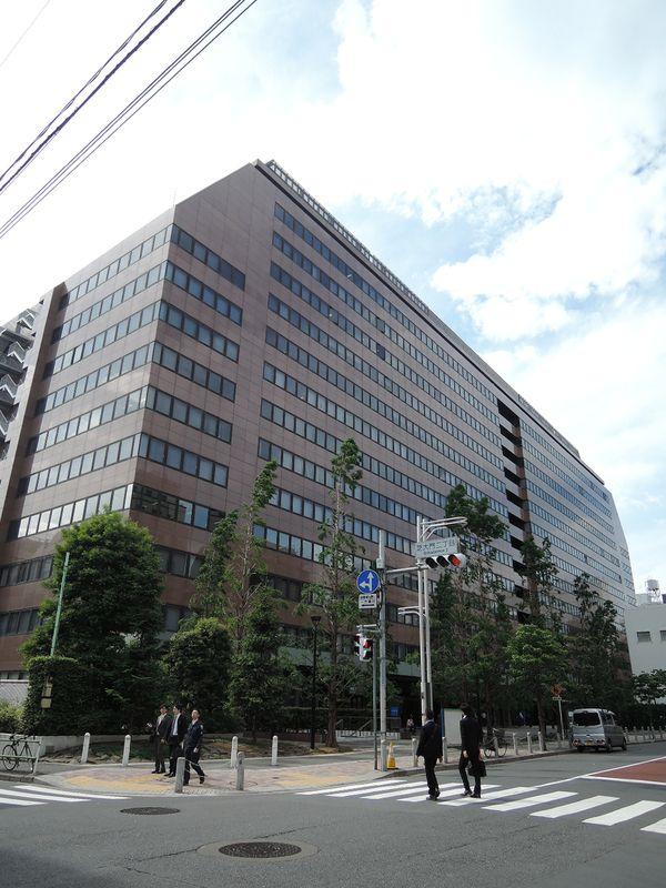 芝パークビル 通称『軍艦ビル』、東京都港区芝公園2-4-1、浜松町駅 徒歩7分大門駅 徒歩2分芝公園駅 徒歩2分