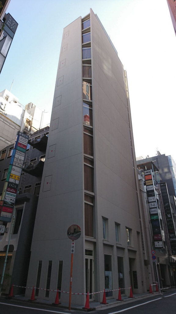 Marks GINZA、東京都中央区銀座8-5-20、新橋駅 徒歩2分銀座駅 徒歩5分