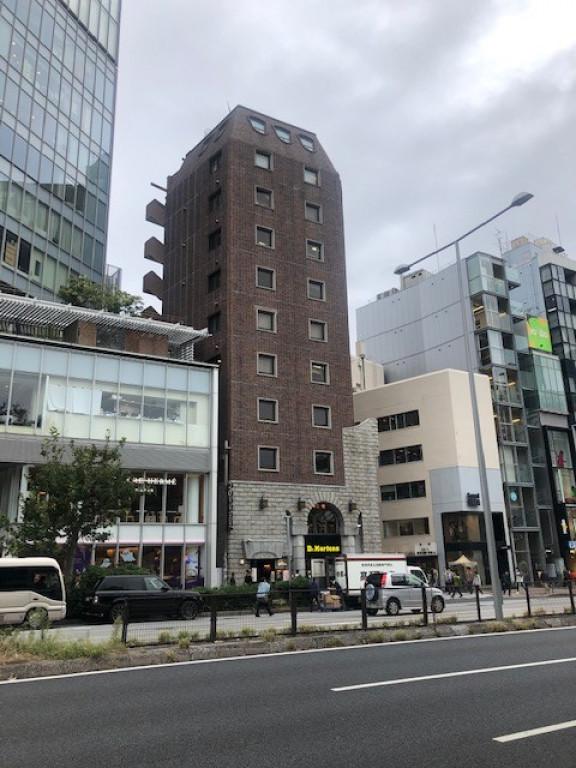 テラアシオス青山、東京都渋谷区神宮前5-51-6、表参道駅 徒歩2分