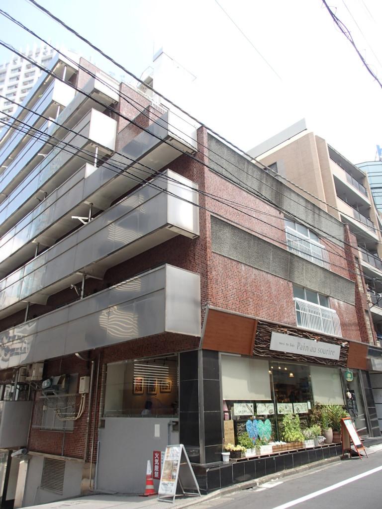 ニュー青山ビル、東京都渋谷区渋谷1-4-6、渋谷駅 徒歩6分