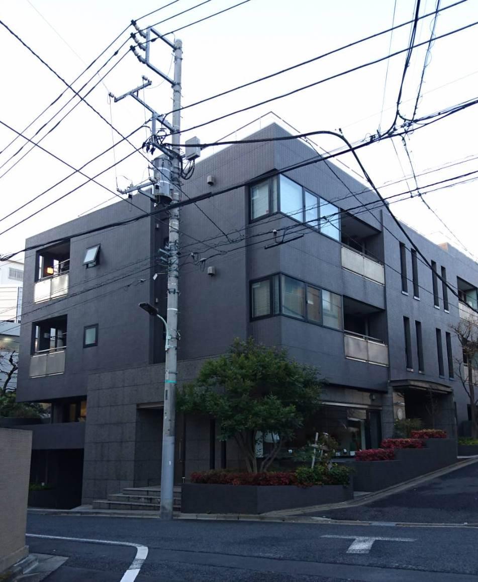Eigteen Minam-Aoyama(旧:EIGHTEENビル)、東京都港区南青山5-12-19、表参道駅 徒歩6分